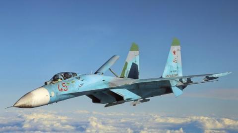 Російський винищувач ледь не збив літак США
