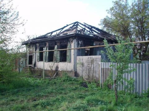 На Луганщині бойовики спалили будинок (ФОТО)