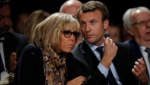 Дочка майбутньої першої леді Франції заступилася за матір після нападок в мережі