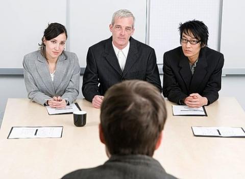 Жінки переживають через зміну роботи сильніше чоловіків