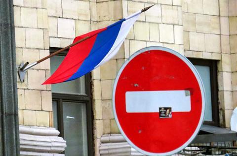 ЄС готовий продовжити санкції проти Кремля