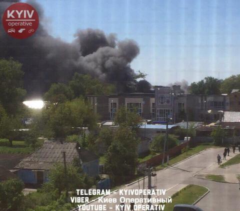 Під Києвом сталася велика пожежа на суконній фабриці