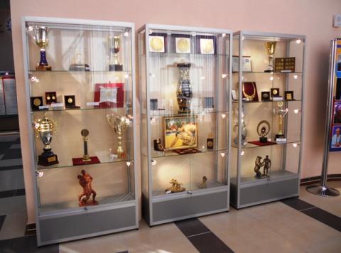 З музею викрали дорогоцінну корону Діви Марії