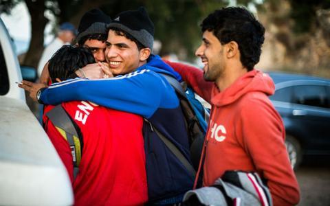 Сміх крізь сльози: фотограф відобразив щирі посмішки біженців (ФОТО)