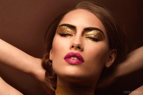 Візажисти розповіли, як зробити розкішний макіяж з металу (ФОТО)