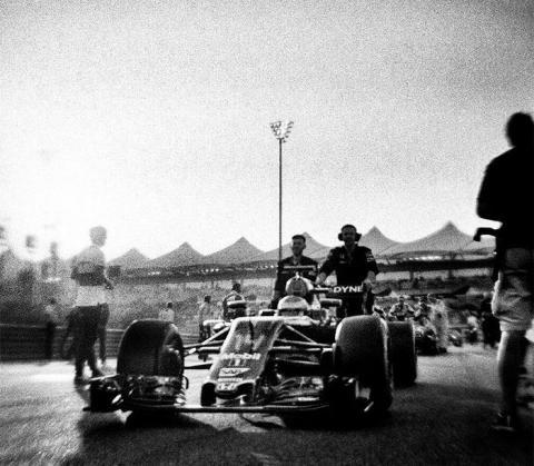 Фотограф зняв «Формулу-1» на столітню камеру (ФОТО)