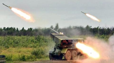 """Ситуація на Донбасі погіршується: бойовики обстріляли наших бійців з """"Градів"""""""