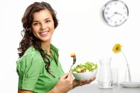 Учені розповіли, як потрібно харчуватися, щоб не постаріти