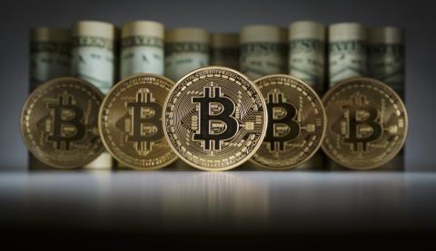 Вартість bitcoin вперше перевищила дві тисячі доларів