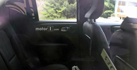 Журналісти розсекретили новий кросовер Volvo XC40 (ФОТО)