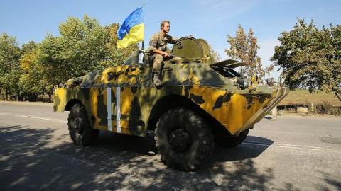 """Ситуація в зоні АТО:  терористи б'ють із танків і """"Градів"""""""