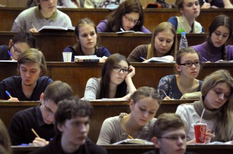 Студенти отримуватимуть стипендії за новою системою
