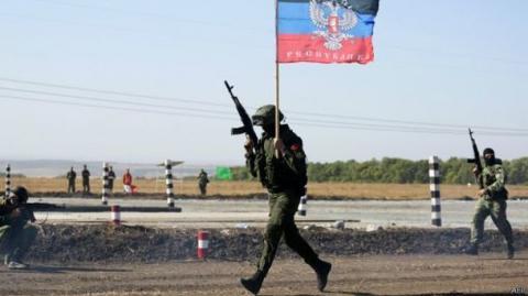 """На Луганщині терористи перекинули значну кількість боєприпасів """"Смерч"""" та """"Ураган"""""""