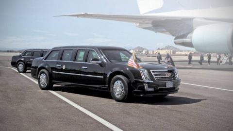 Розкішна машина президента США не змогла проїхати через ворота королівської резиденції в Бельгії