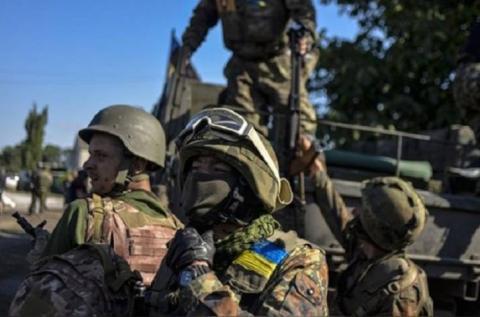 """Один день героїв: у мережі опубліковано відео українських військових, що """"задають жару"""" окупантам (ВІДЕО)"""