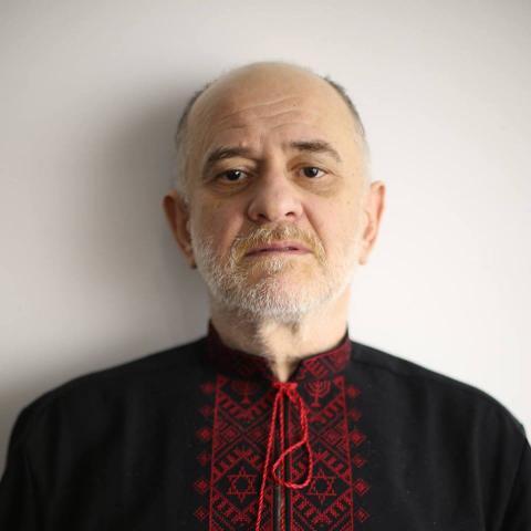 Відомий художник розповів про слабку владу РФ, яка живе старими часами