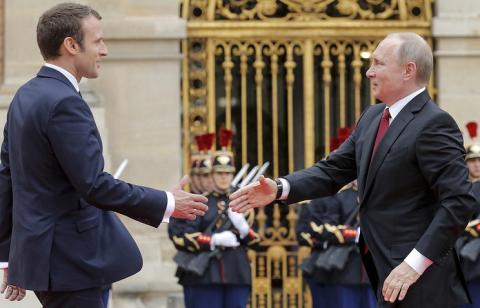 Макрон прокоментував свою зустріч із Путіним