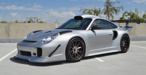 Потужна розкіш: на продаж виставили ексклюзивне купе Porsche 996 (ФОТО)