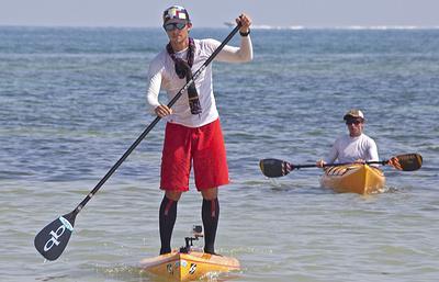 Три американки за добу перепливли на дошці для серфінгу з Куби в США
