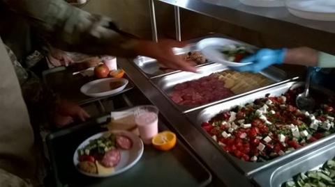 Нові стандарти: мережу вразили фото сніданку військових ЗСУ (ФОТО)