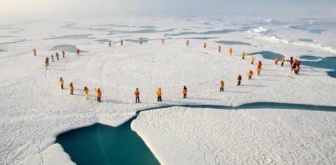Забруднення від викопного палива «чорнять» сніг навіть на Південному полюсі