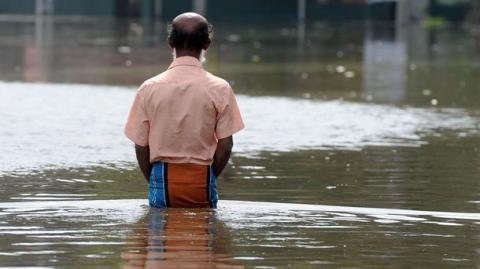 Китай: велика кількість людей постраждала від сильної повені