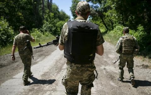 На Донбасі під час шквального вогню загинули українські військові