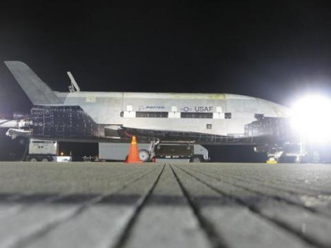 SpaceX назвала дату старту космічного літака X-37В