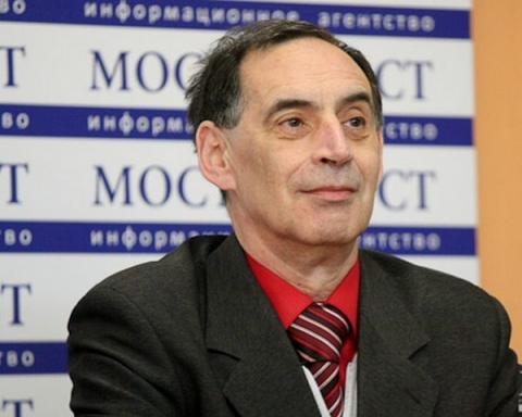 Експерт розповів, що ніяка фінансова допомога не допоможе Україні