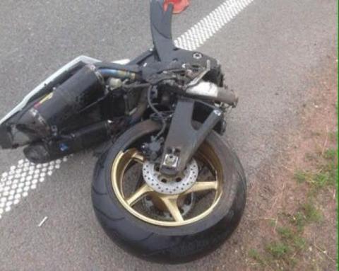 У мережі з'явилися фото з моторошного ДТП на Житомирщині: мотоцикліст загинув (ФОТО)