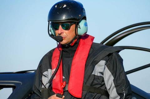 Француз перелетів Ла-Манш на автомобілі (ФОТО)