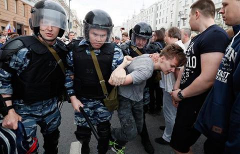 Ворог держави: У Росії відправили під домашній арешт 17-річного школяра