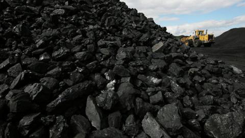 Стало відомо хто підозрюється у справі продажу вугілля з Донбасу: порушено кримінальну справу