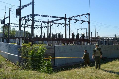 На Донеччині зловмисники намагалися підірвати електропідстанцію