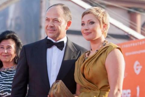 """Дружина екс-нардепа назвала агресію з боку РФ """"громадянською війною"""" (ВІДЕО)"""