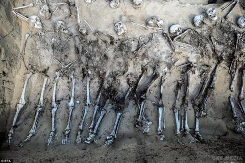 Жахлива знахідка: археологи виявили масове поховання російських солдат (ФОТО)
