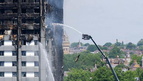 Влада Лондона евакуюює жителів п'яти багатоповерхових будинків через загрозу пожежі