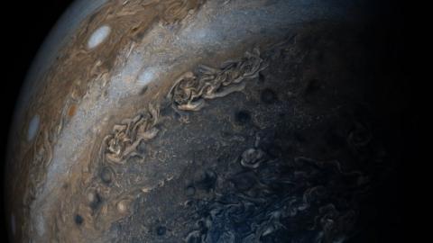 NASA опублікувало дивовижні фотографії Юпітера