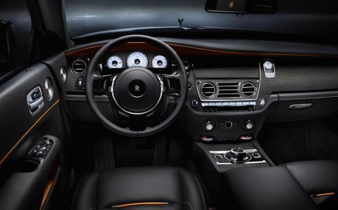 Rolls-Royce розсекретив оновлений кабріолет Dawn Black Badge (ФОТО)