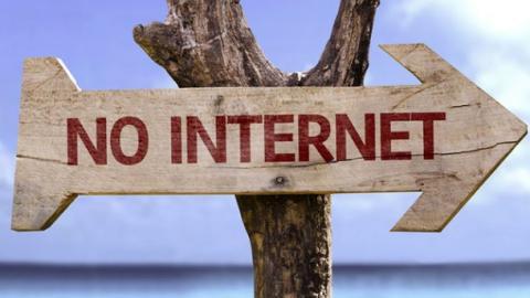 Масовий збій: окупований Крим залишився без інтернету та мобільного зв'язку