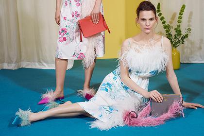 Новий тренд від Prada: жінок одягнуть в пір'я