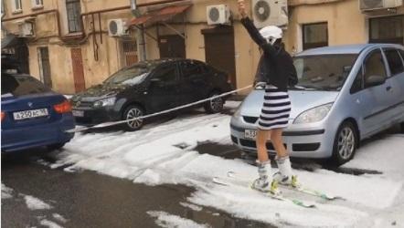 У Санкт-Петербурзі випав сніг (ФОТО)