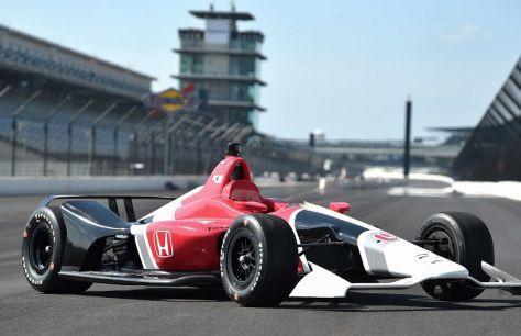 Нові машини IndyCar продемонстрували публіці
