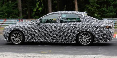 Toyota випробувала новий седан Crown (ФОТО)