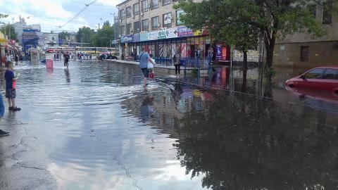 В мережі опублікували наслідки зливи в Києві (ВІДЕО)