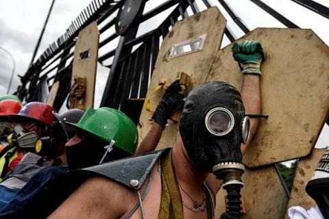 Протестувальники у Венесуелі беруть натхнення з української революції (ФОТО)