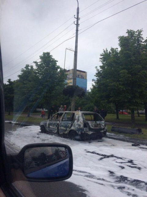 Львів: у спальному районі вибухнула машина