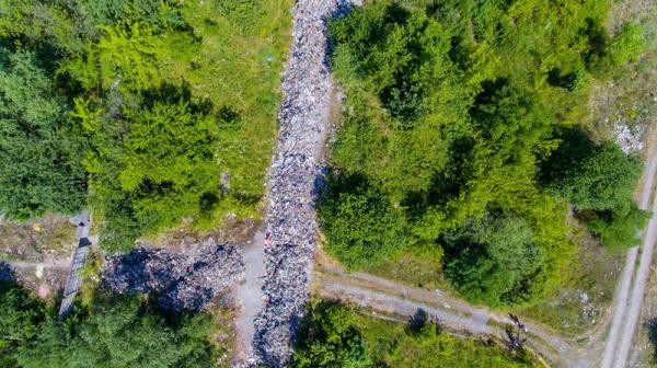 Журналіст виклав у мережу фото львівського сміття з висоти пташиного польоту (ФОТО)