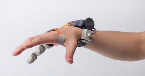 У Великобританії створити роботизований шостий палець (ВІДЕО)