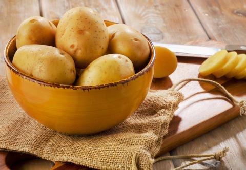 Медики розповіли, чому вагітним не слід їсти багато картоплі